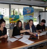 Podpisanie porozumienia o współpracy partnerskiej między Biblioteką Publiczną a Szkołami w gminie Międzyzdroje.