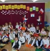Uroczyste pasowanie uczniów klas pierwszych