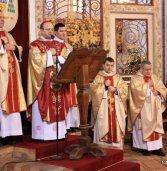 Nowy biskup Henryk Wejman w katedrze kamieńskiej
