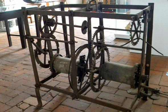 Mechanizm zegarowy z kościoła w Mechowie w MHZK
