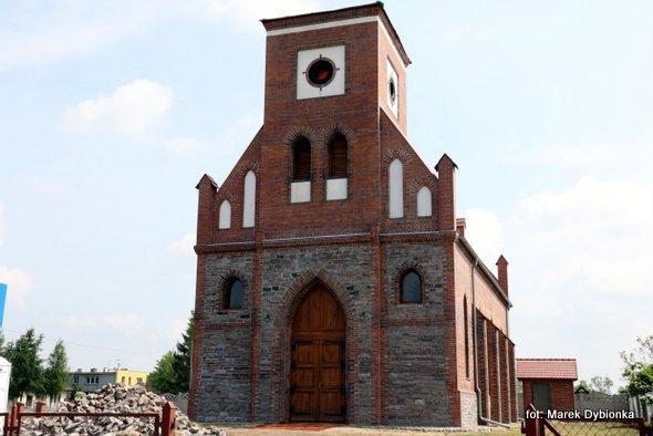 Poświęcenie nowo wybudowanego kościoła w Chominie