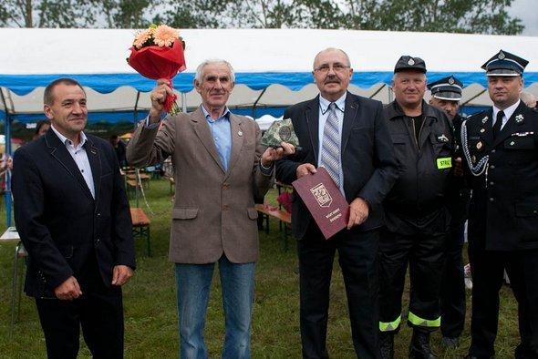 """W sobotę 2 lipca na """"Stadionie pod lasem"""" w Świerznie odbył się Festyn Świerznowski """"Powitanie Lata""""."""