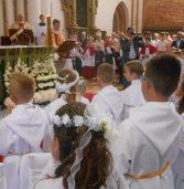 Druga tura I Komunii świętej w kamieńskiej Katedrze