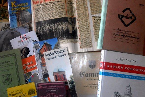 """""""Kamień Pomorski w zbiorach Biblioteki"""""""