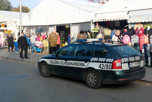 Bez paragonu i z mandatem – akcja KAS w Kołobrzegu