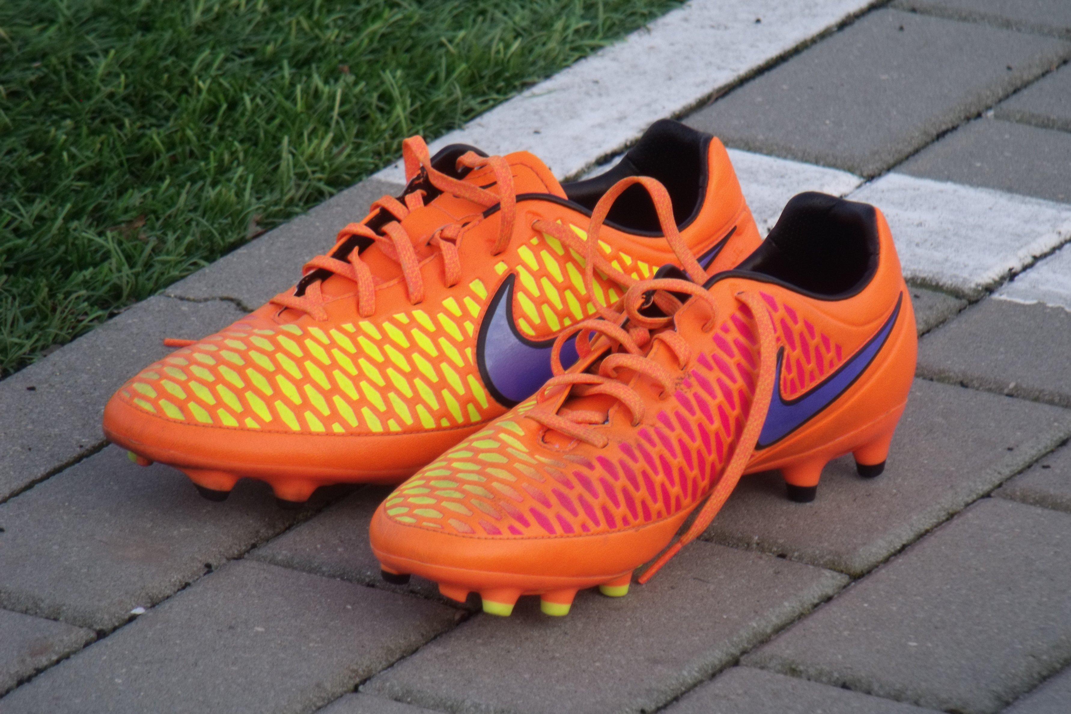 Felieton piłkarski – Wpadki i spadki