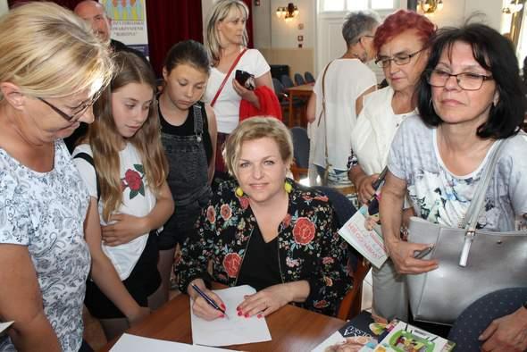 """""""Matka Teresa polskiego spożywczaka"""" – spotkanie autorskie z Katarzyną Bosacką"""