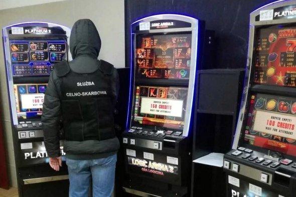 Kolejne nielegalne automaty do gier zatrzymane przez KAS