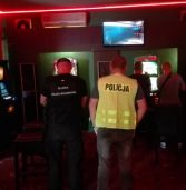 Nielegalny salon gier w Białogardzie zlikwidowany przez KAS