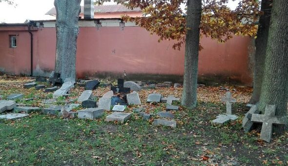 Kwesta na kamieńskim cmentarzu w tym roku w wersji internetowej