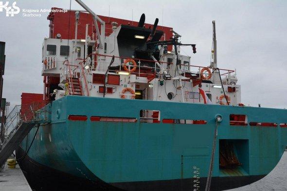 Nielegalne papierosy na statku płynącym do Szczecina